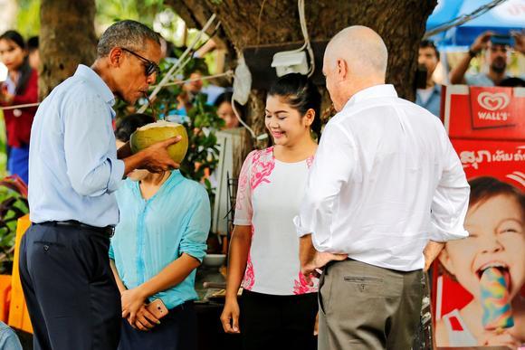 1014n-laos-obama_article_main_image