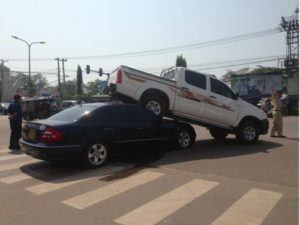 dont-drive-without-insurance-in-laos